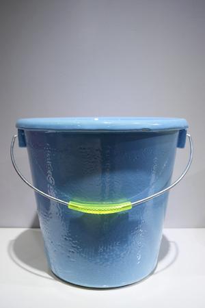 BLUE PORCELAIN BUCKET